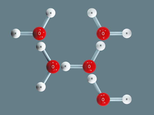 Vandmolekyler  Liaskovskaia Ekaterina  shutterstock 1109577443